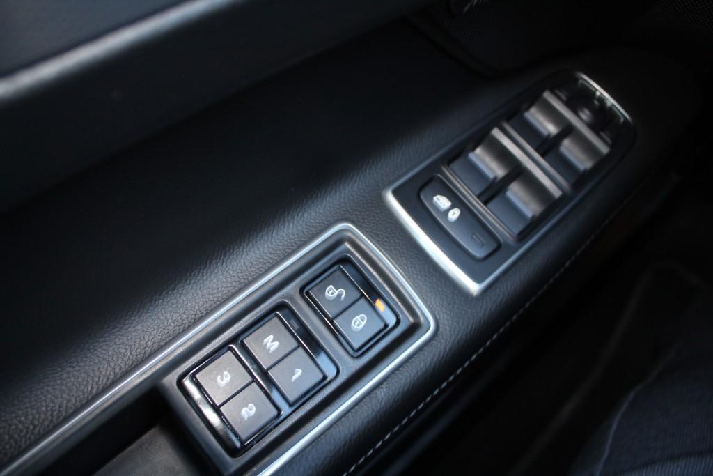 2019-Jaguar-XF