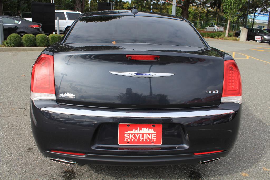 2019-Chrysler-300