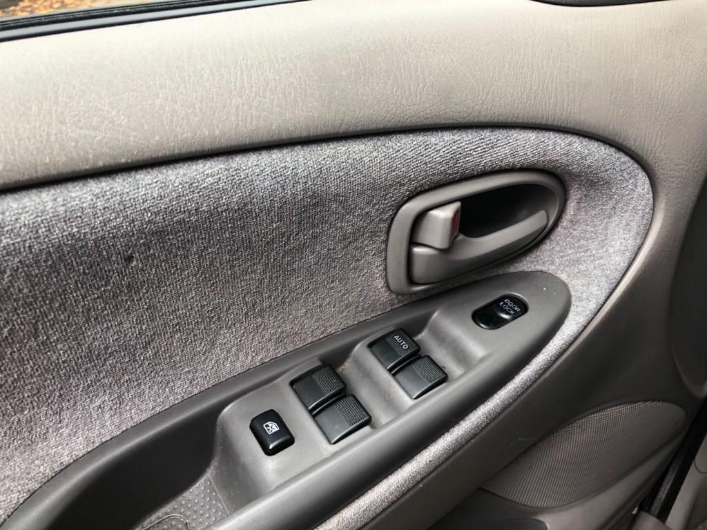 2002-Mazda-MPV