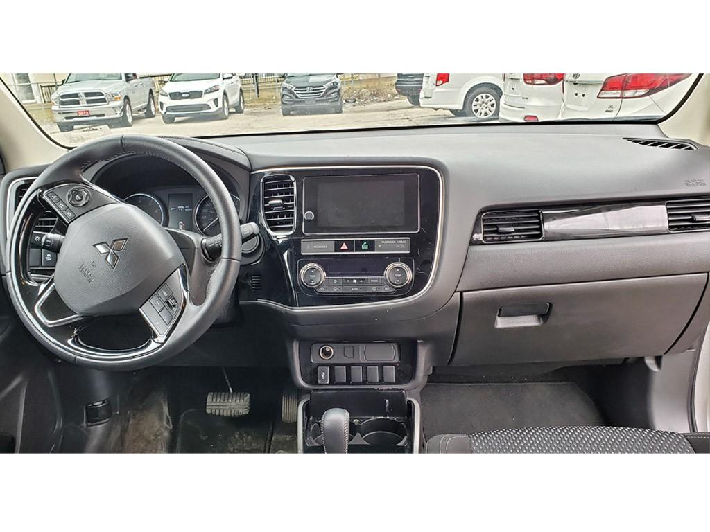 2019-Mitsubishi-Outlander