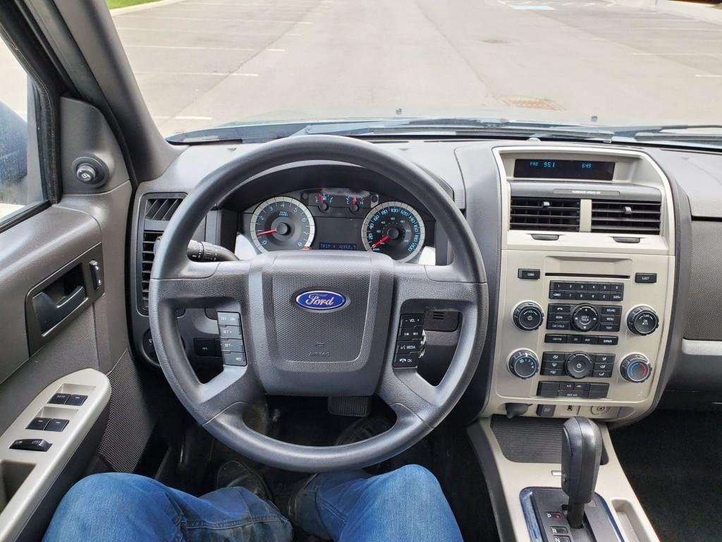 2011-Ford-Escape