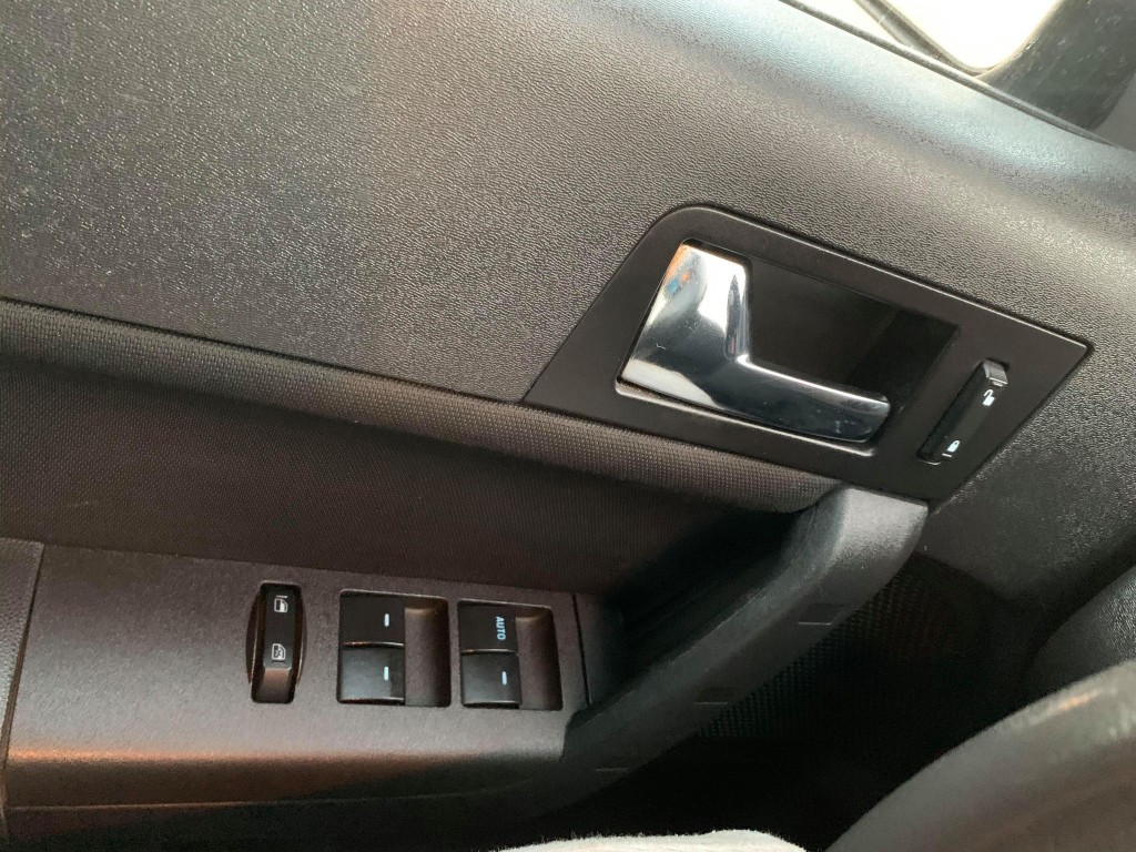 2010-Ford-Focus