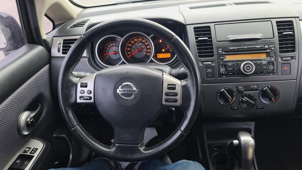 2009-Nissan-Versa