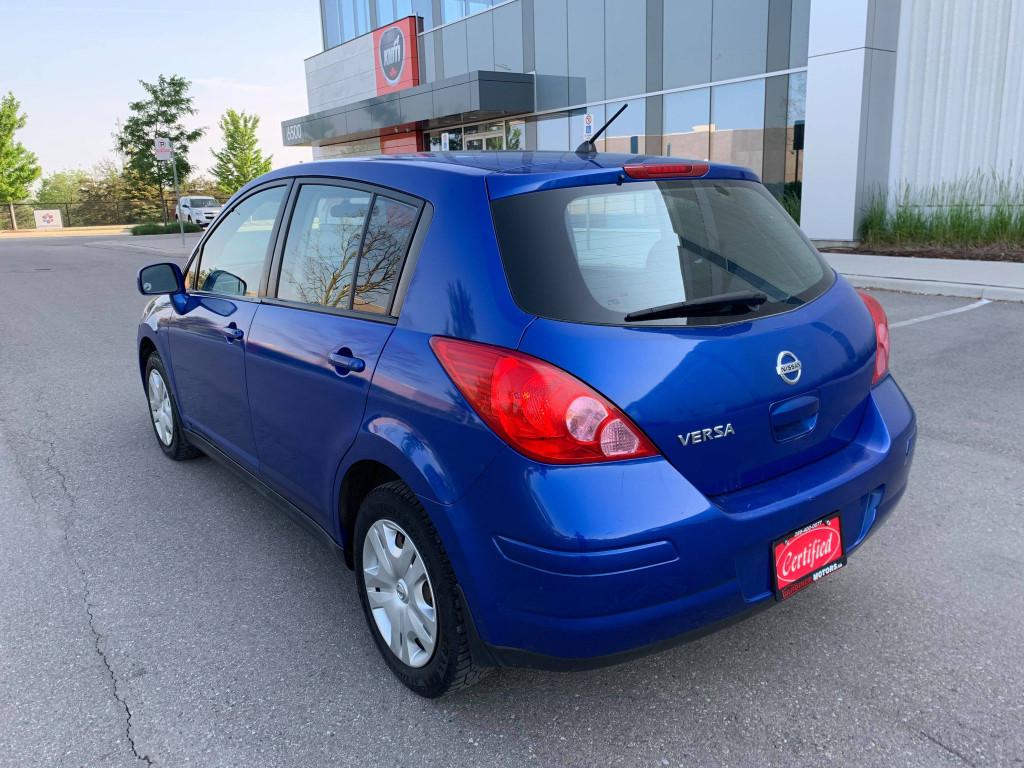 2010-Nissan-Versa
