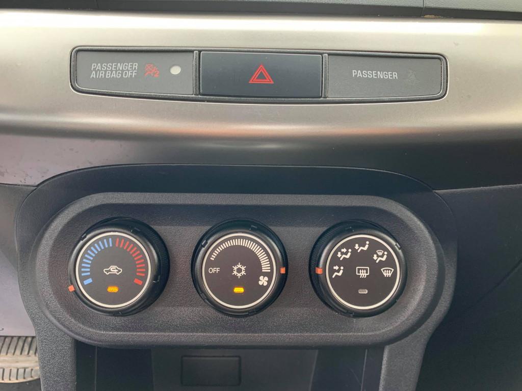 2013-Mitsubishi-Lancer