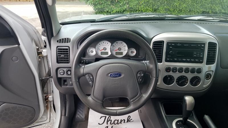 2006-Ford-Escape