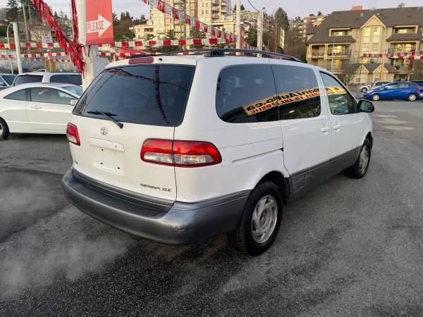 2001-Toyota-Sienna