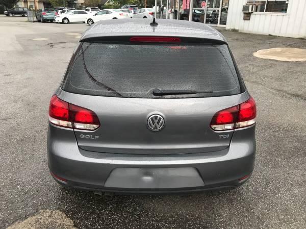 2012-Volkswagen-Golf