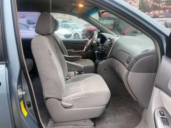 2006-Toyota-Sienna