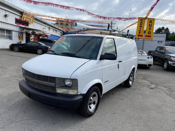 2002-Chevrolet-Astro