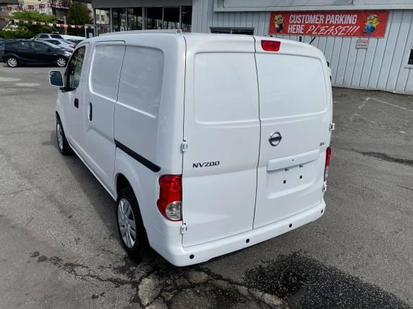 2015-Nissan-NV200