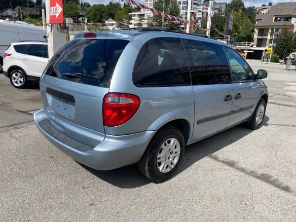 2005-Dodge-Caravan