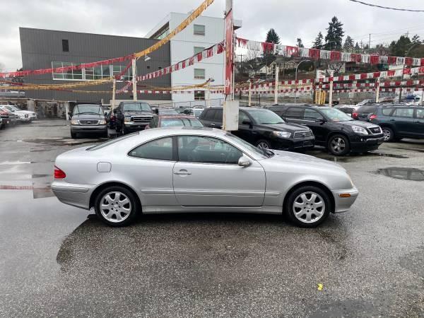 2001-Mercedes-Benz-CLK-Class