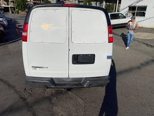 2007-Chevrolet-Express Cargo Van