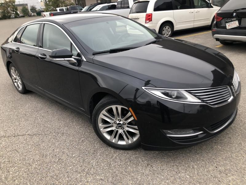 2014-Lincoln-MKZ