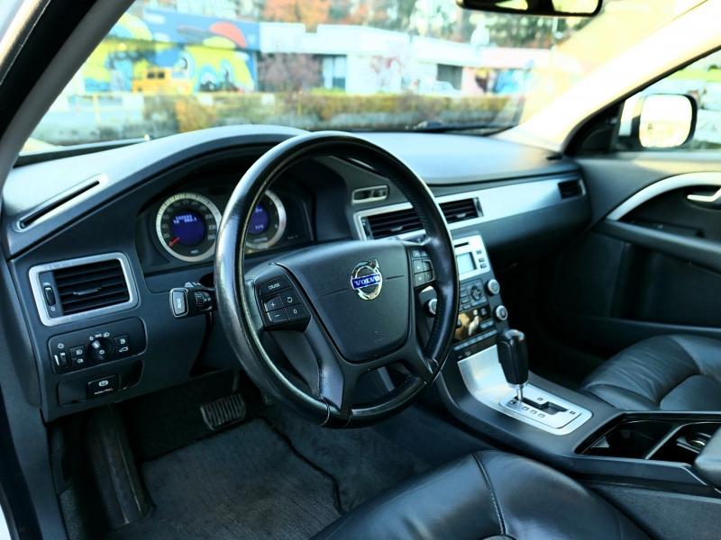 2010-Volvo-XC70