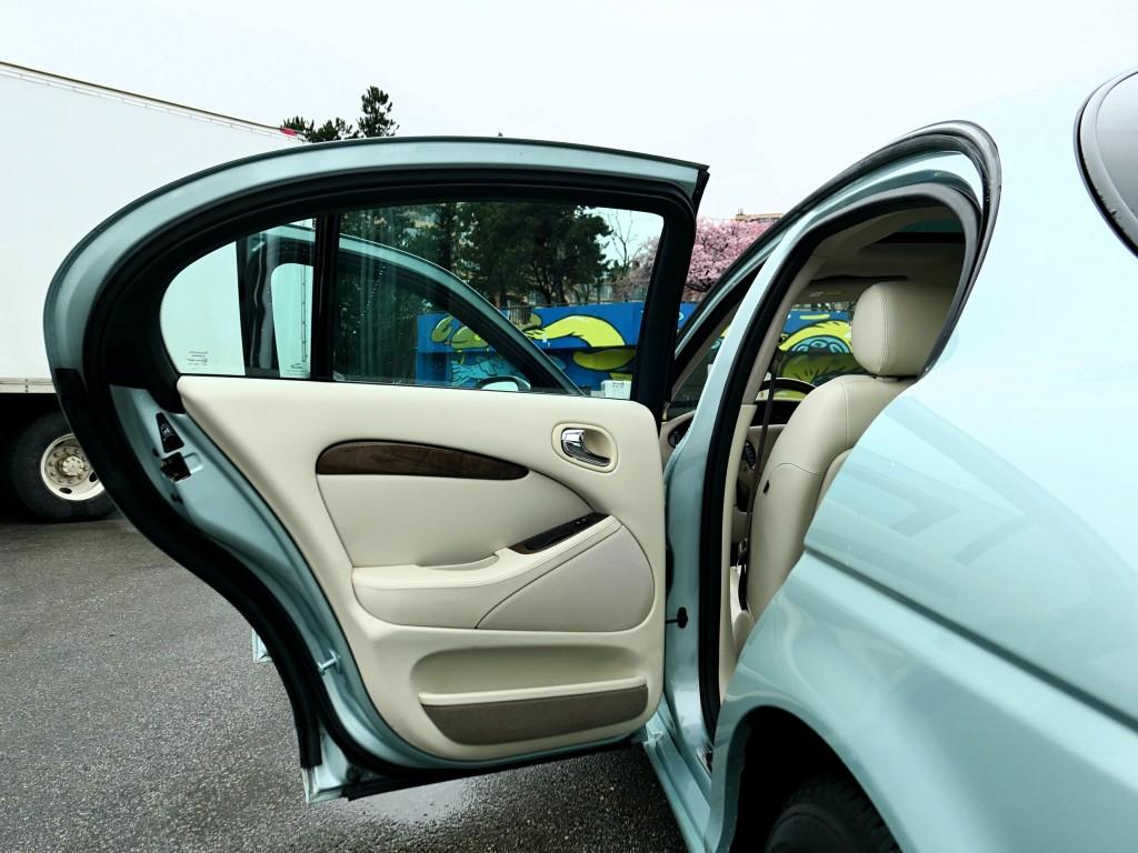 2003-Jaguar-S-Type