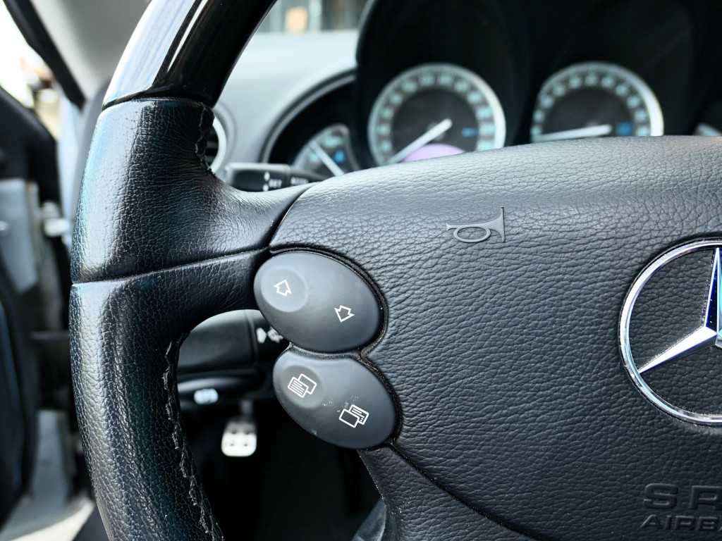 2007-Mercedes-Benz-SL-Class