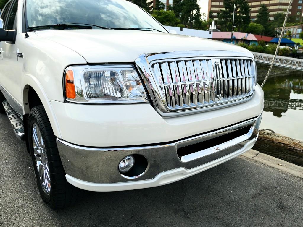 2008-Lincoln-Mark LT