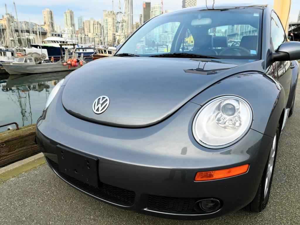 2007-Volkswagen-New Beetle Coupe