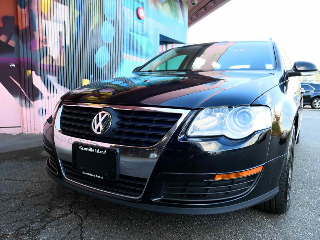 2010-Volkswagen-Passat Wagon