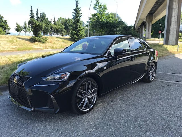 2017-Lexus-IS 300