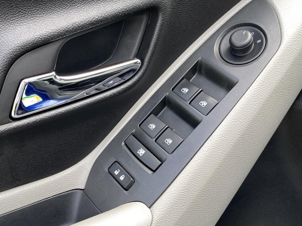 2013-Chevrolet-Trax