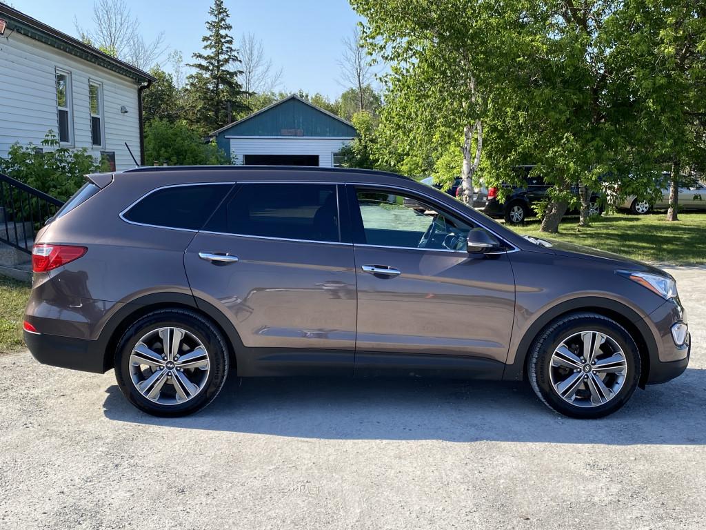 2014-Hyundai-Santa Fe XL